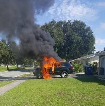 Pożar samochodu wywołany ładowaniem Note 7